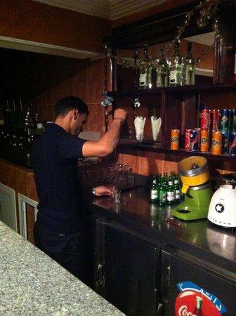 Hotel Doumss: Bar / Lobby