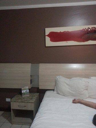Sued's Plaza Hotel: Cama amplísima