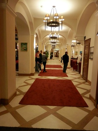 Hotel Schloss Pontresina Family & Spa : Reception e Hall