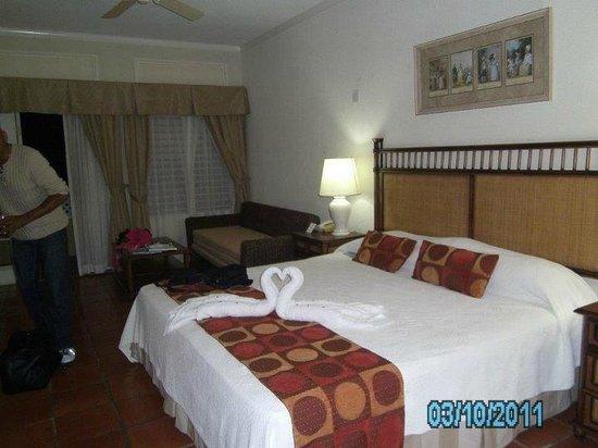 Sea Breeze Beach Hotel: the room