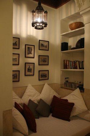 Dar Housnia : le très beau salon