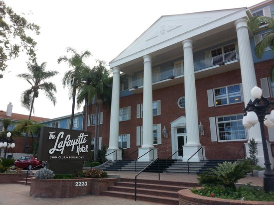 The Lafayette Hotel, Swim Club & Bungalows: The grand lady!