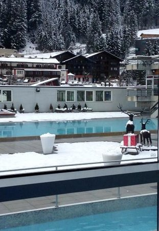 Felsentherme: Mid winter in view from the Therem