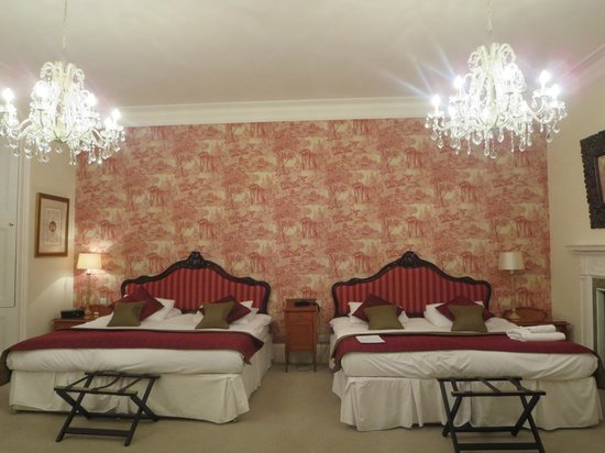 Carberry Tower Mansion House and Estate: The Princess Margaret Suite- a princess room indeed!