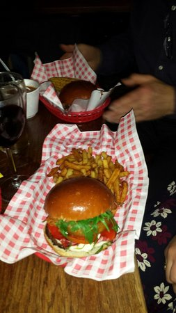 The Burger Bros Diner & Bar: Vege burger. Highly recommended!!