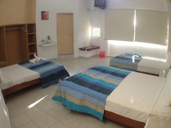 Hotel Bahia Huatulco: Habitación Triple