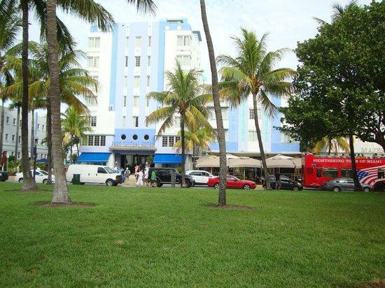 The Park Central: Fachada do hotel