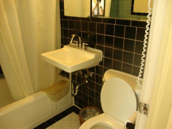 The Park Central: banheiro