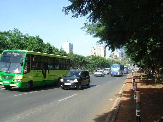 Uhuru Gardens Memorial Park: Route à proximité