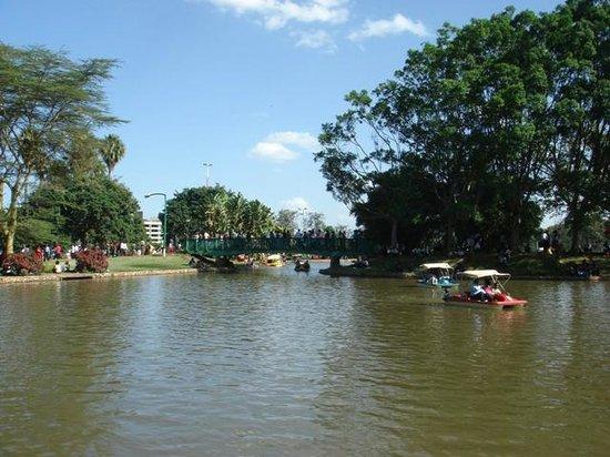 Uhuru Gardens Memorial Park: Petit lac