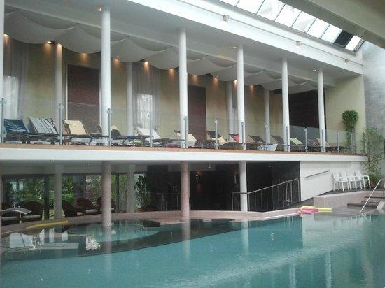 Hotel Europa Terme: Piscina interna + lettini relax