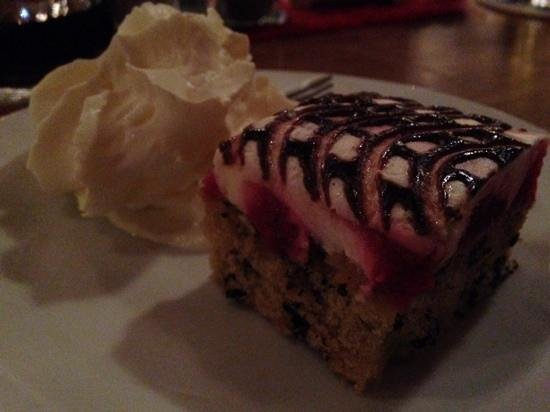 Euro Youth Hotel and Krone : Desert with the three course Days Menu €11.50