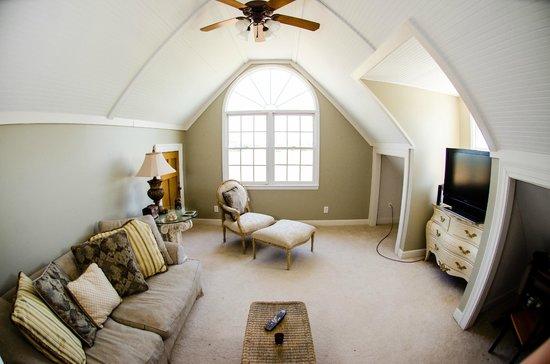 Genesis Healing Center: Suite: Reading/Sitting Area