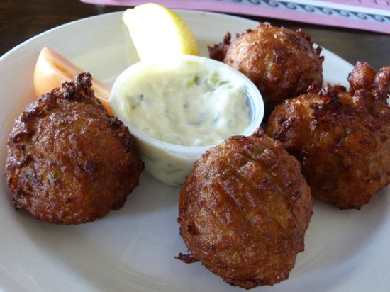 Black Horse Tavern: Tasty Conch Fritters