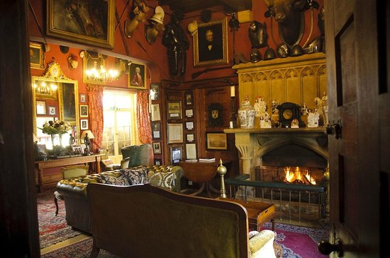 Maunsel House: Sitting room in the main house