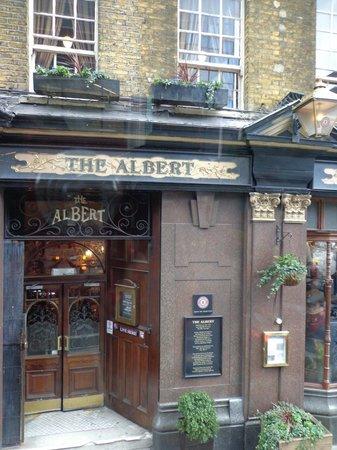 The Albert : Outside