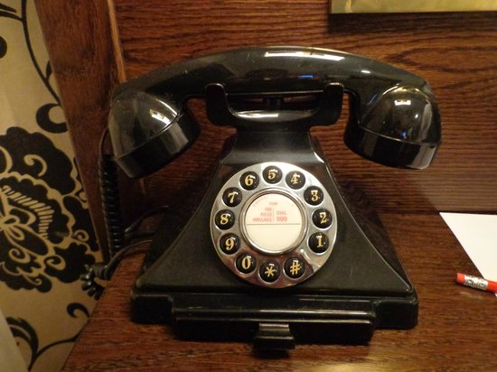 The Sanctuary House Hotel : Phone in room