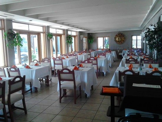 Estero Beach Hotel & Resort: Comedor