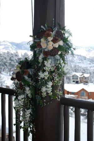 Taharaa Mountain Lodge: perfect winter wedding backdrop