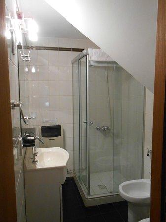 Apart Hotel Del Tilo : Baño planta baja