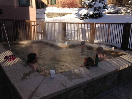 Ptarmigan House: New hot tub!