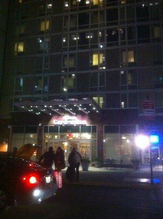 Hilton Garden Inn New York/West 35th Street: Exterior of building
