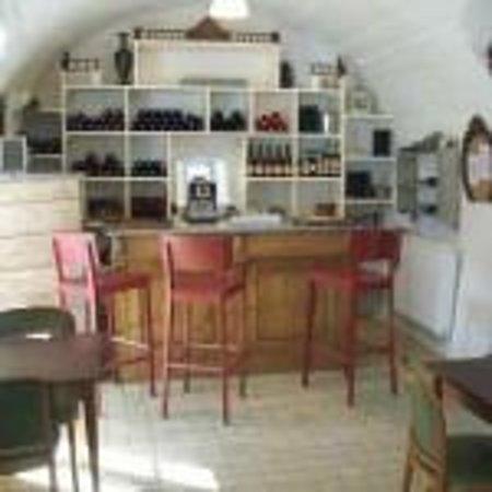 Ponet-et-Saint-Auban, France : le bar
