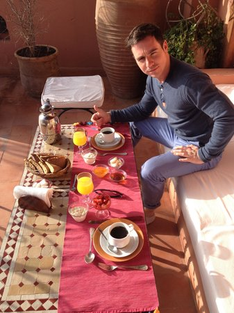 Riad Sable Chaud: Breakfast on the terrace