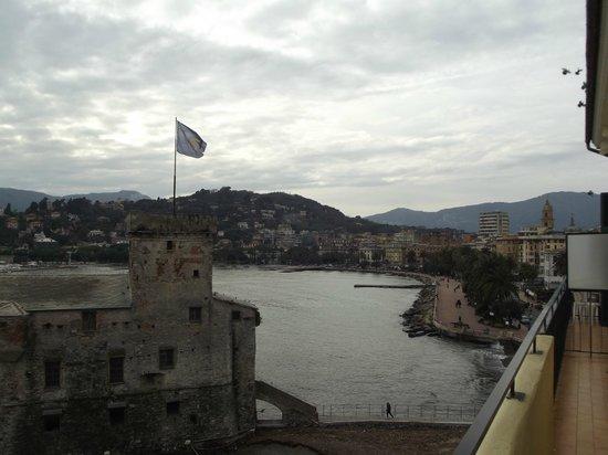 Italia e Lido Hotel: lungomare e castello