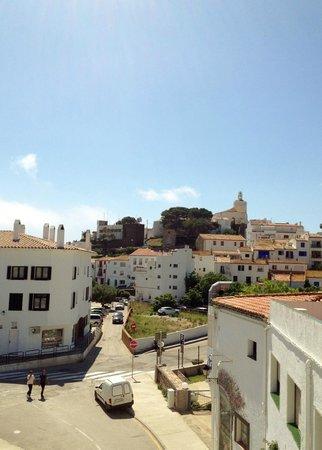 Hotel Nou Estrelles : Вид из окна