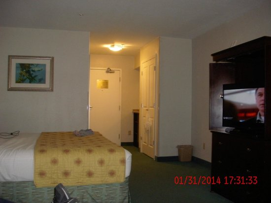 Del Monte Inn: our room