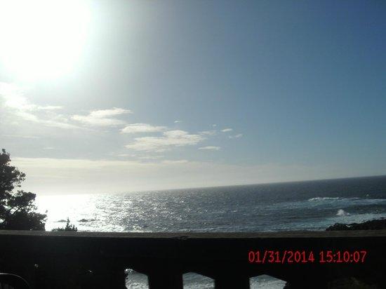 Del Monte Inn: ocean