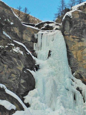 Lillaz Waterfalls : Cascate...di ghiaccio!