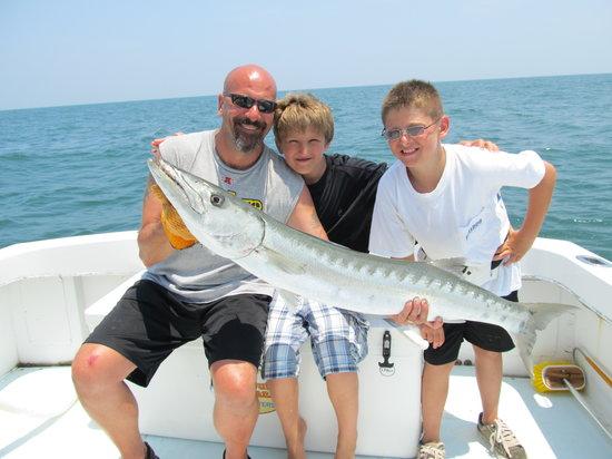 Bulldog Fishing Charters: Big Barracuda!