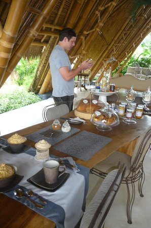 Sandat Glamping Tents: Breakfast
