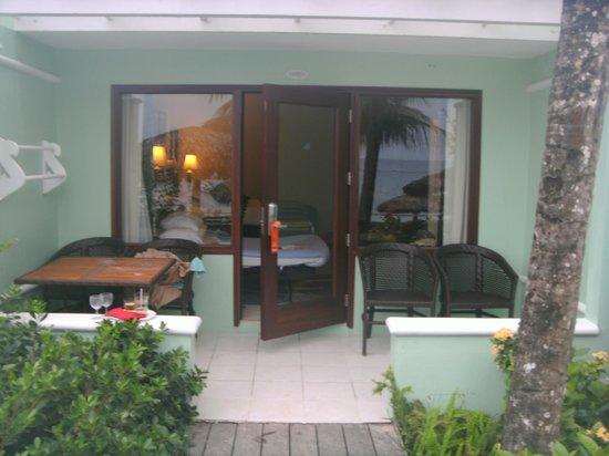 Beaches Ocho Rios Resort & Golf Club : Greek Honeymoon Beachfront walk out concierge suite