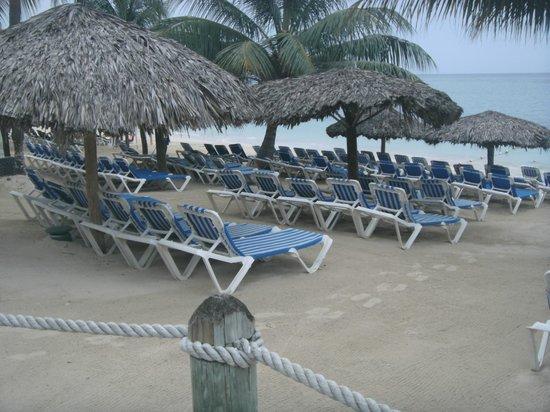 Beaches Ocho Rios Resort & Golf Club : Beach outside our suite