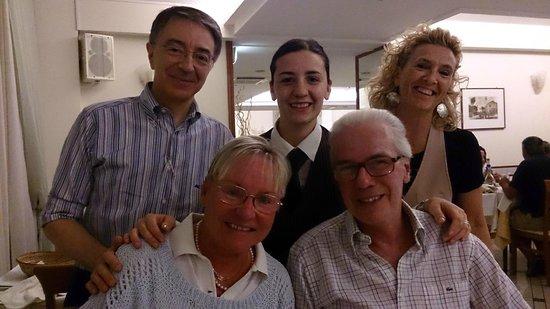 Hotel Principe: Alberto e Mariella con Valerio, Marisa e Nadia