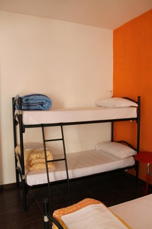 Coconuts Female Hostel: Bunks