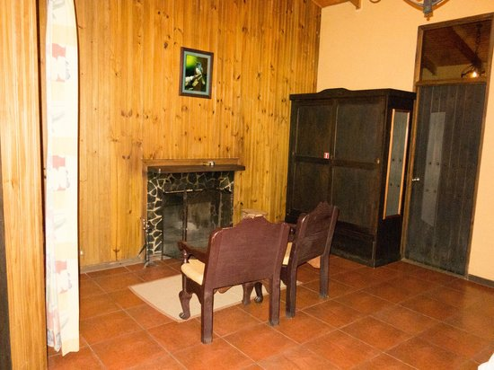 Savegre Hotel, Natural Reserve & Spa: A casita with fireplace in the rooms numbered in the 140s.
