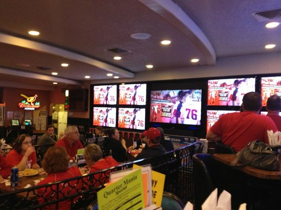 Hastings Keno Sports Bar and Grill : Husker Headquarters