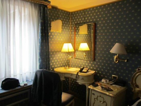 Hotel Torino: Camera in stile veneziano