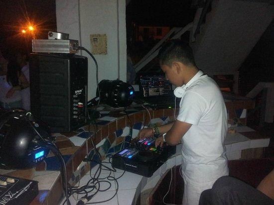 Hotel Montanita: LLEVAMOS NUESTRO PROPIO DJ Y MUSICA...