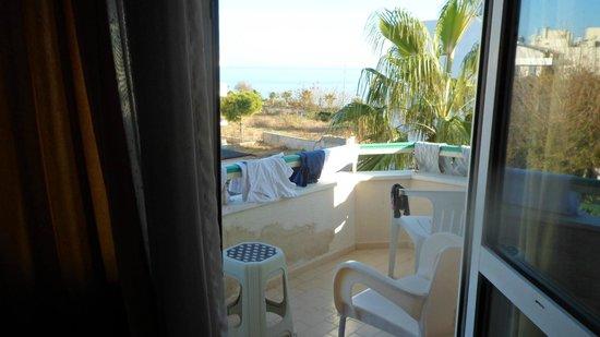 Green Beyza Hotel Antalya: balcony overlloking sea