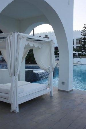 Sensimar Oceanis Beach & Spa Resort: double sunbed