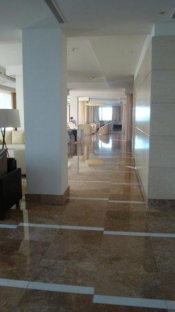 Beloved Playa Mujeres : The  lobby