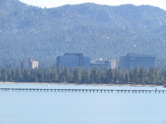 Harrah's Lake Tahoe : Harrah's on far right