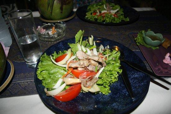 Banana Leaf Restaurant: Thai bøf salat