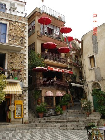 caffe bar Turrisi : Фасад заведения.