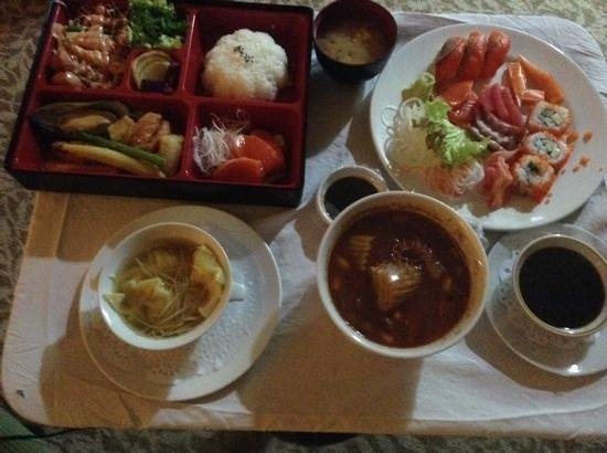 Baiyoke Sky Hotel: Roomservice Selection - Bento Box, Sashimi, Wonton Soup and Beef Curry